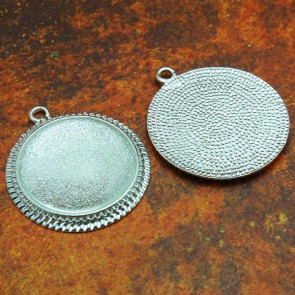 30mm Filigree Circle Shiny Silver Pendant Tray